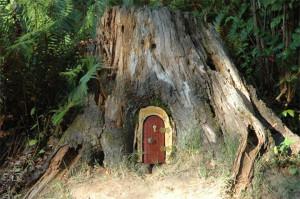 あなたのお庭に妖精はいますか?いるなら玄関を作ってあげましょう