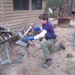 薪ストーブ初心者にこそ必要な木挽台を簡単DIYして薪割りを楽にする方法