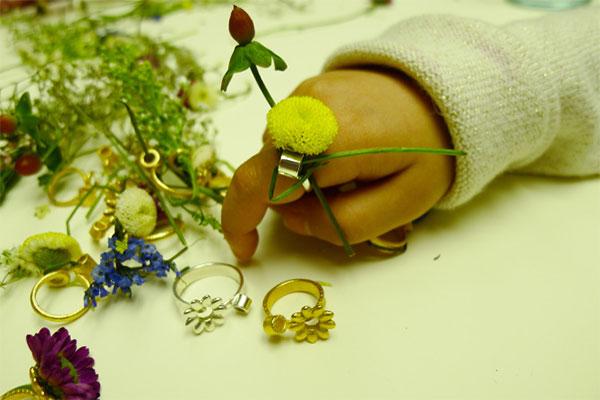 スプリングリング花飾り