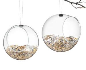 世界で使われている鳥の餌箱、バードフィーダーはとってもオシャレ