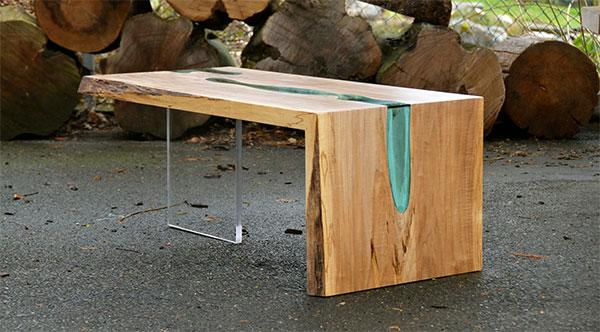 川が流れるテーブルデザイン